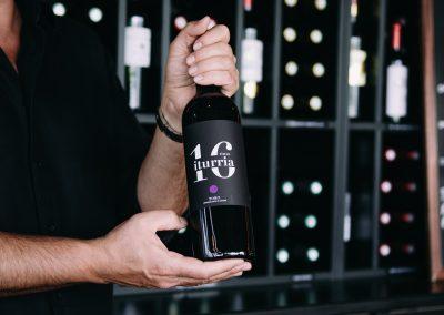bistrot clos montesquieu - photo de bouteille de vin 'ituria'